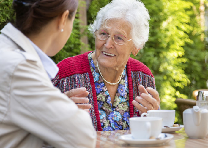 5 Tips to Facilitate a Home Care Discussion with Seniors