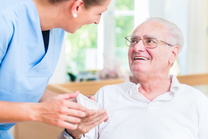 7 Ways In-Home Care Can Promote Senior Medication Compliance