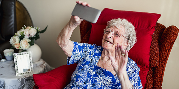 Seniors and Technology: The Perfect Match for These 5 Common Concerns